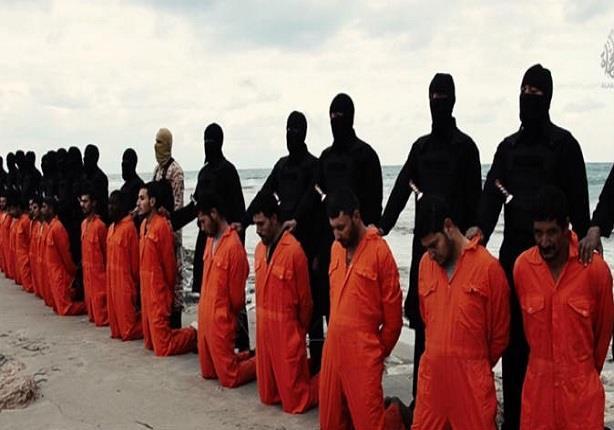 """ما السر وراء """"هدوء"""" الرهائن المصريين قبل ذبحهم؟"""