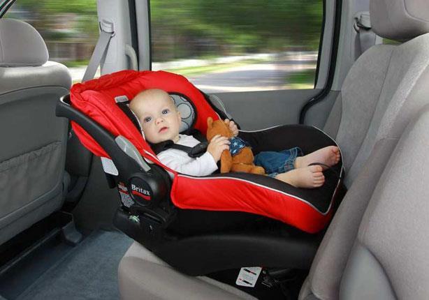 قبل الانطلاق برحلات السفر نصائح هامة لتركيب مقعد الطفل بالسيارة ..اتبعها