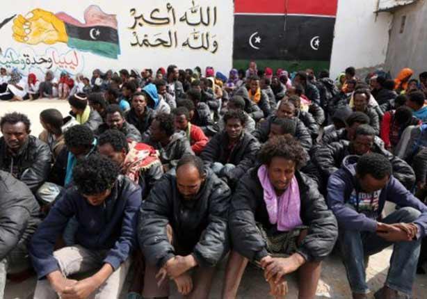 مسؤول ليبي: مسلحو تنظيم الدولة الإسلامية يهربون إلى أوروبا في قوارب المهاجرين