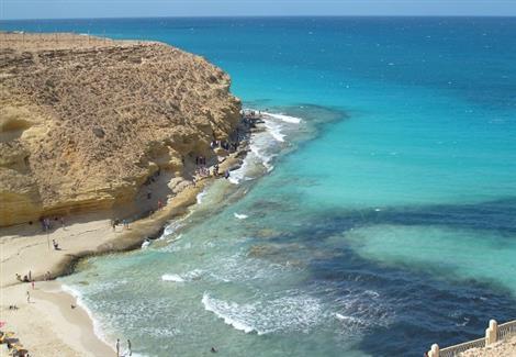 شاطئ عجيبة من أعلى