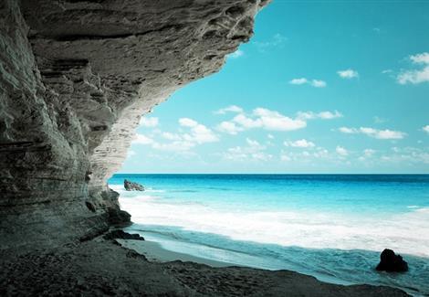 شاطئ عجيبة من أسفل
