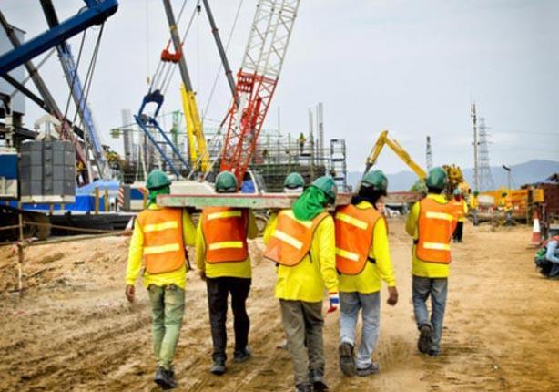 """""""القوى العاملة"""" تتسلم تقريرًا حول قرار الإمارات بحظر العمل وقت الظهيرة"""