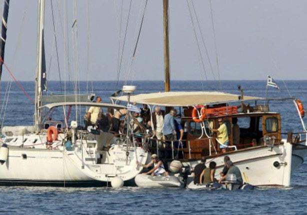 """حصار غزة: إسرائيل تحتجز سفينة """"إغاثة"""" قبل وصولها إلى القطاع"""