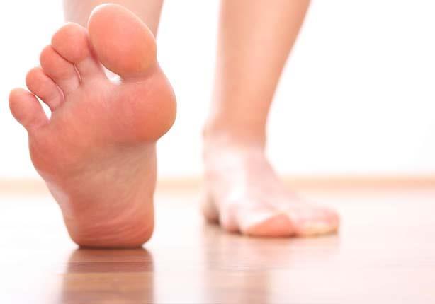 أبرزها الحكة.. 6 أعراض للإصابة بفطريات القدم