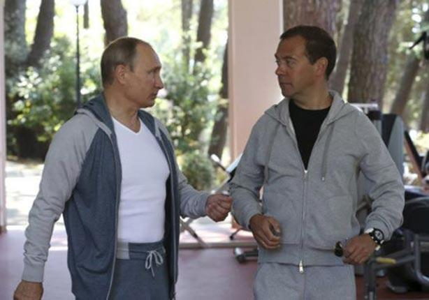 بوتين ورئيس حكومته ميدفيديف يؤديان التمارين الرياضية سوية في سوتشي