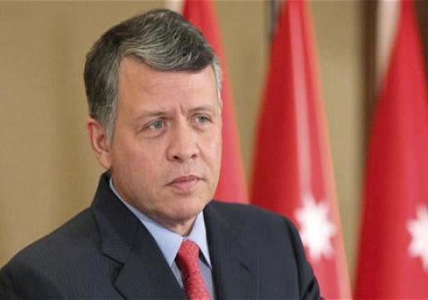 ملك الأردن يتنكر في هيئة رجل مسن لزيارة هيئة حكومية سرًا (صور)