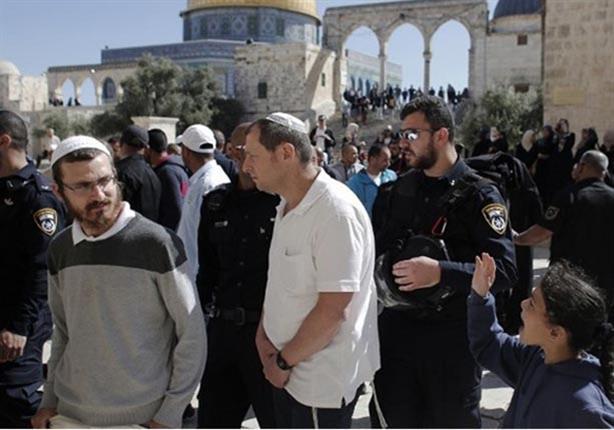آلاف اليهود يدخلون المسجد الأقصى