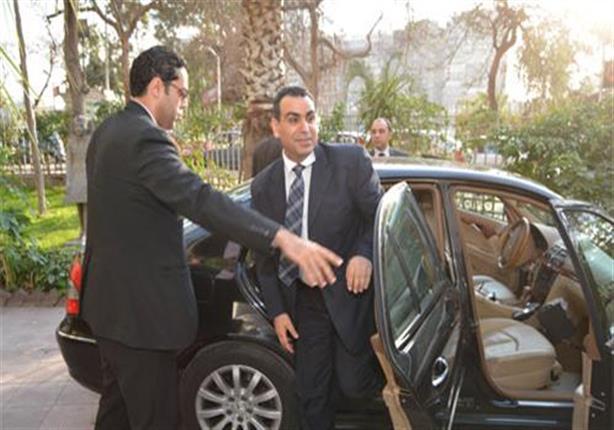 """وزير الثقافة يشيد بآداء فرقة """"تحت الـ 18"""" في العرض المسرحي """"الشاطر حسن"""""""