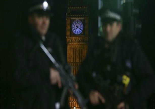 تقرير: مركبة تدهس مصلين خارج مسجد في لندن