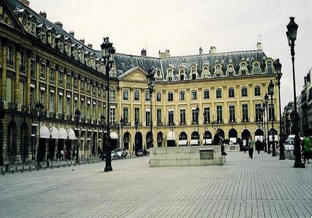 """اندلاع حريق بفندق """"الريتز"""" الشهير بقلب باريس"""