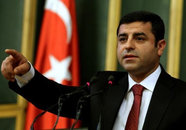 زوجة زعيم حزب معارض في تركيا تستنكر منعه من لقاء ابنتيه