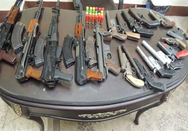 ضبط 45 متهمًا بالاتجار في الأسلحة النارية والمخدرات بالجيزة