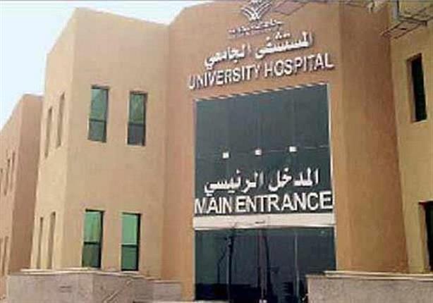 مدير المستشفى الميري بالإسكندرية يكشف حقيقة إلقاء مريض عاريًا أمام المستشفى