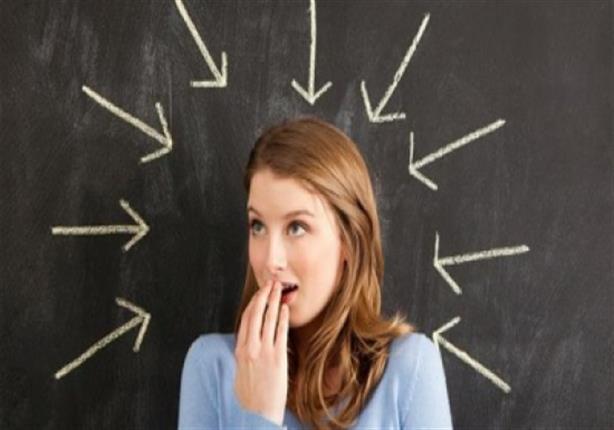 لهذه الأسباب.. رائحة الفم الكريهة تهدد النساء أكثر من الرجال