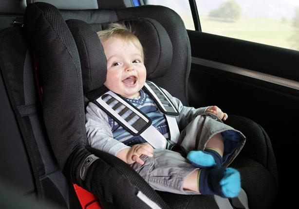 مقعد الطفل في السيارة يحميه من مخاطر الحوادث