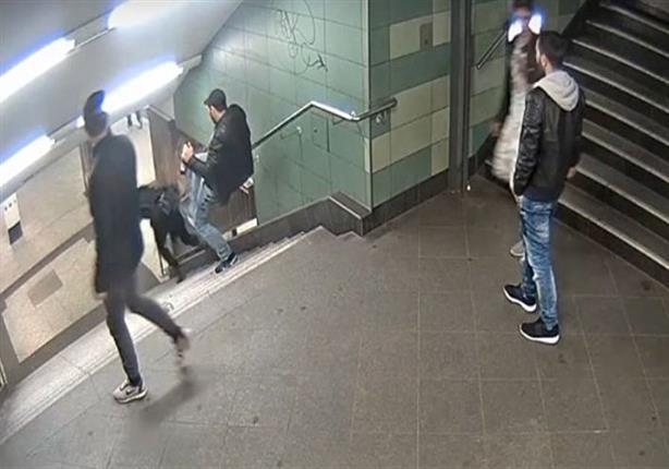 سائق يقتحم محطة قطار في برلين بسيارته ويصيب 6 أشخاص