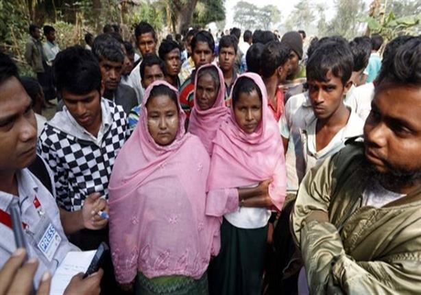 فرار 50 ألفا من مسلمي الروهينغا إلى بنغلاديش من ميانمار هربا من قمع الجيش