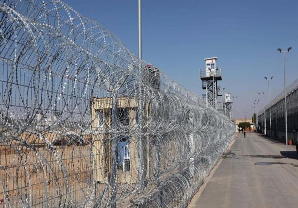 مصدر: أجهزة تشويش بالسجون لمنع المحمول