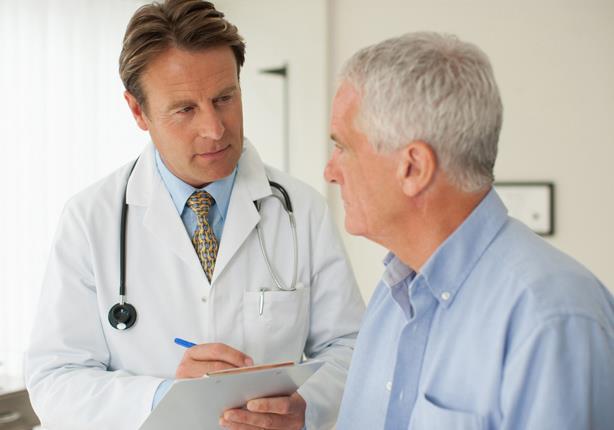 لماذا لا يفضل الرجل زيارة الطبيب؟.. تعرف على السبب