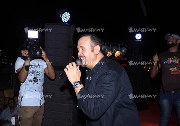 هشام عباس يطرح ألبومه الجديد خلال أسابيع