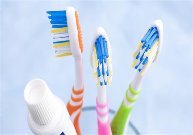 ما التوقيت المناسب لتغيير فرشاة الأسنان؟