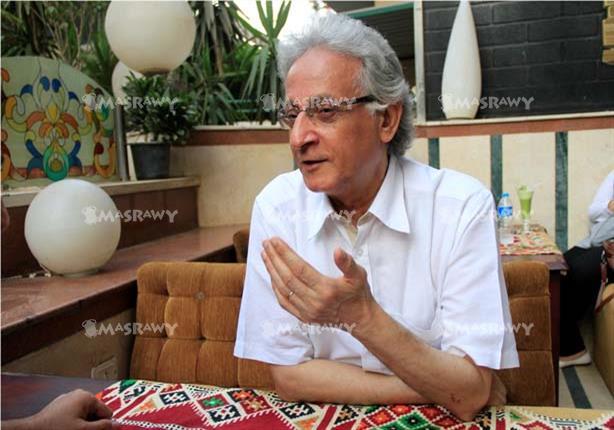 نقل الكاتب الصحفي عبدالله السناوي للعناية المركزة بعد إصابته بغيبوبة سكر