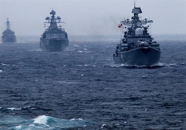 سفينتان حربيتان روسيتان تدمران هدفا بحريا خلال مناورات بحرية في بحر اليابان
