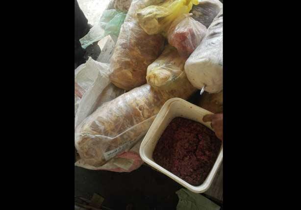 ضبط أغذية مجهولة المصدر وتحرير 40 محضرًا تموينيًا في الوادي الجديد