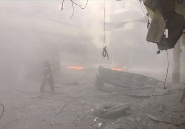 الطيران المروحي السوري يلقي براميل متفجرة بريف إدلب السوري