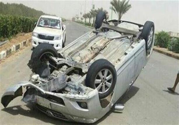 إصابة 3 في انقلاب سيارة بالطريق الزراعي بالبحيرة