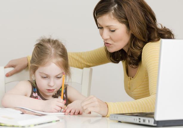 كيف تحددين الوقت الكافي لأداء طفلك لواجبه المدرسي؟