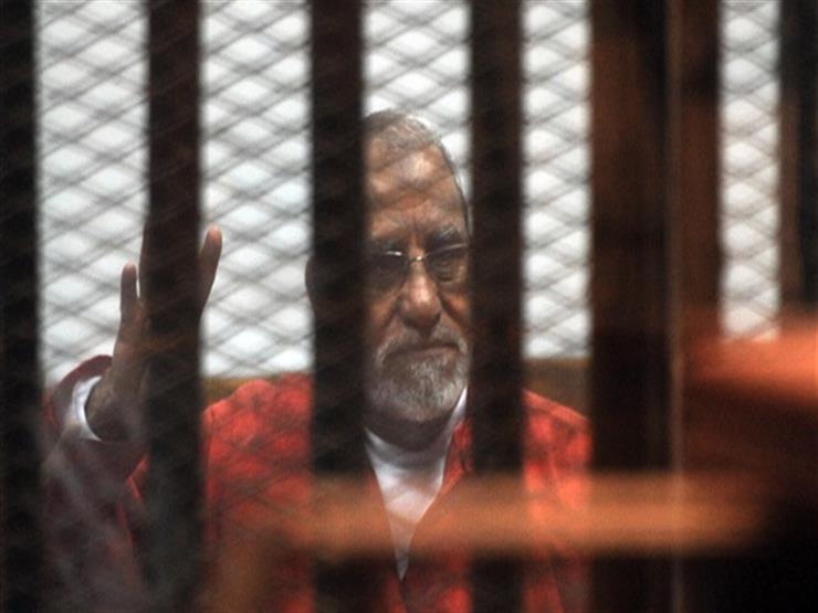 تأجيل محاكمة بديع و7 آخرين في قضية مسجد الاستقامة لـ 1 يناير