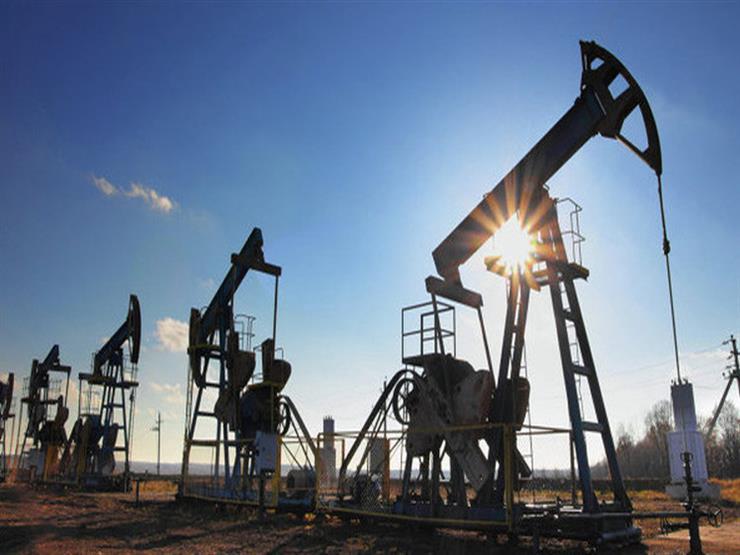 النفط يرتفع بفعل سوق أمريكية شحيحة وواردات صينية قوية