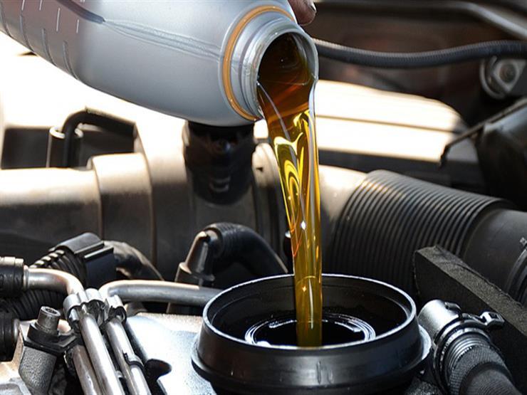 طريقة بسيطة لاختيار الزيت الأفضل للمحرك في فصل الشتاء.. تعرف عليها