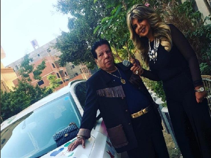 """بالفيديو.. شعبان عبد الرحيم يستعرض سيارته """"المشجَّرة"""""""