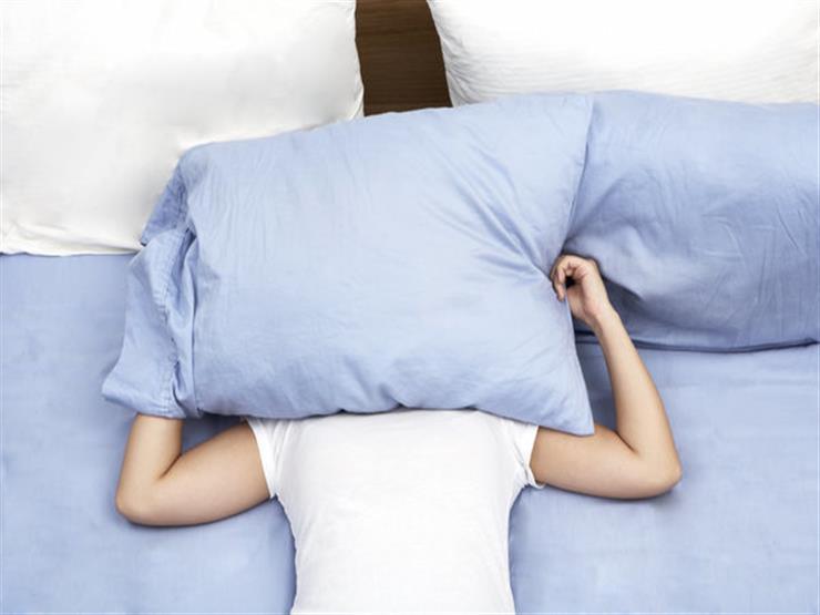 منها تغطية رأسك أثناء النوم.. احذر 12 عادة غير متوقعة تضر دماغك