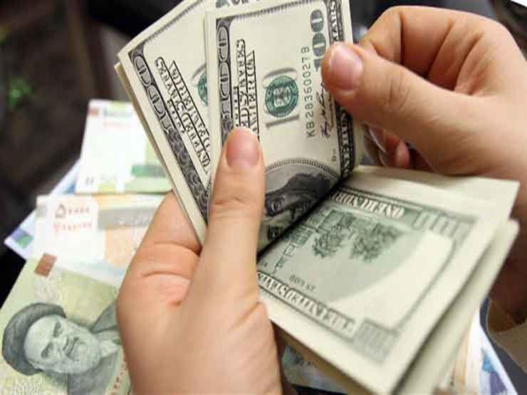 تراجع ملحوظ لأسعار الدولار في 7 بنوك مع نهاية تعاملات الأسبوع