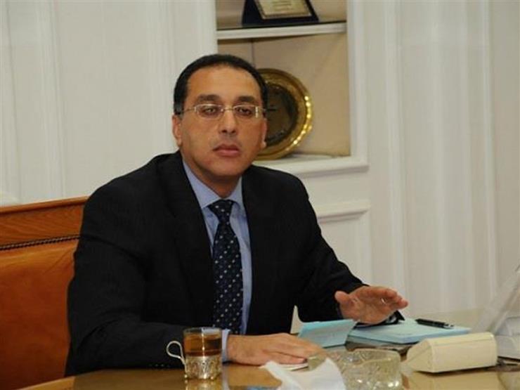 """وزير الإسكان يتفقد وحدات المرحلة الثالثة من """"دار مصر أكتوبر"""""""