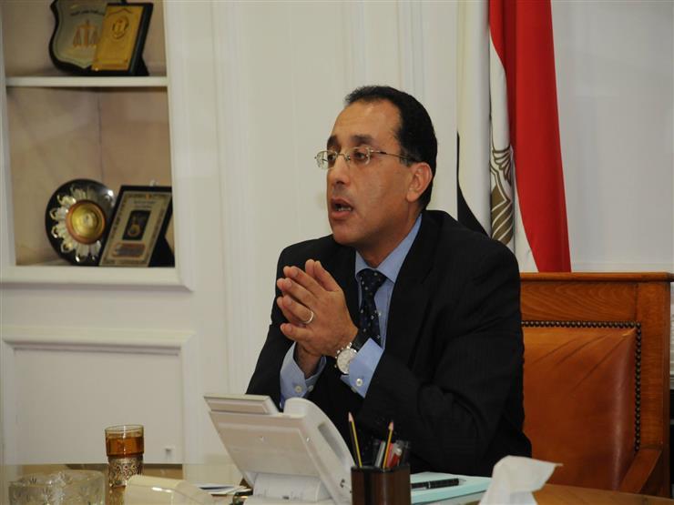 """وزير الإسكان ومحافظ القاهرة يتفقان على بدء إزالة أولى عمارات """"مثلث ماسبيرو"""""""
