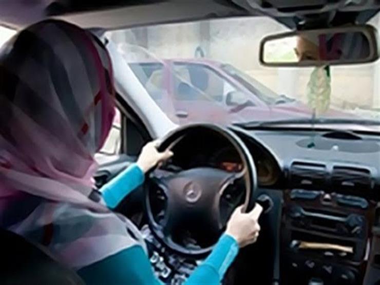 """أول سيدة تعمل سائقة بالأقصر: """"الحمولة للستات بس"""""""