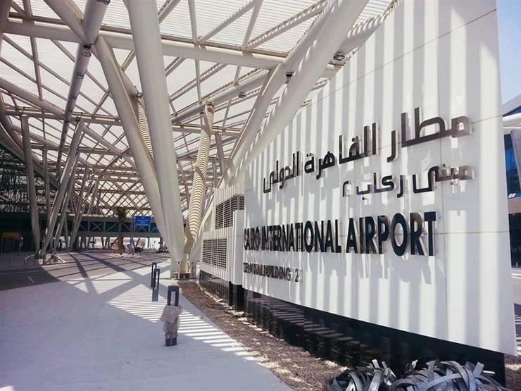 مصدر أمني: ماس كهربائي سبب حريق مبنى إداري بمطار القاهرة