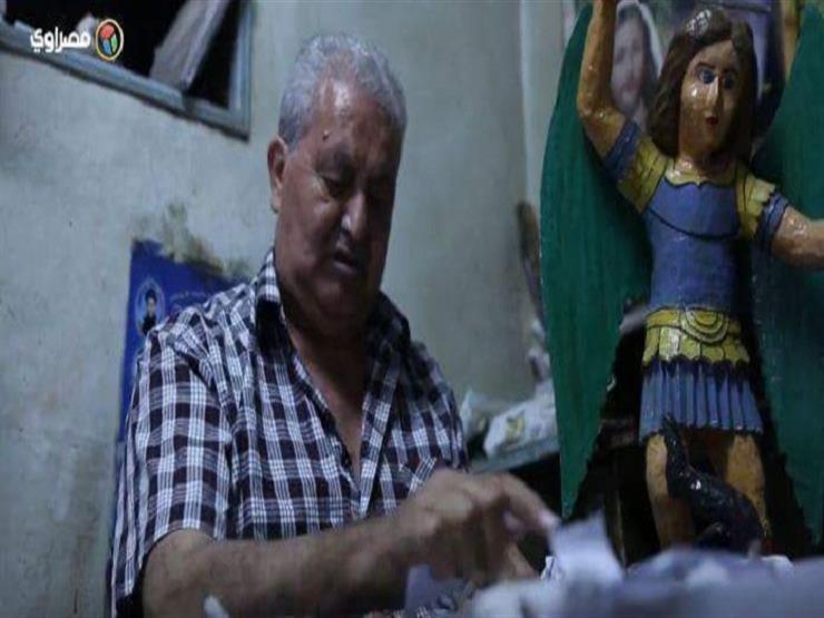 بالفيديو.. فنان يحول الورق إلى تماثيل