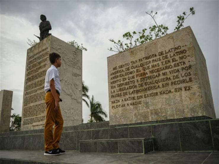 """كوبا تكرم """"تشي"""" جيفارا بعد نصف قرن على وفاته"""