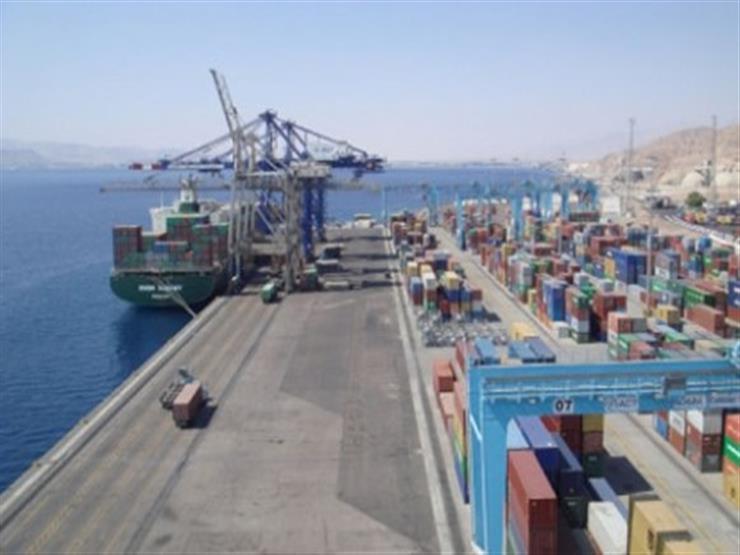 منذ إغلاقه في 2014.. ناقلة وقود ترسو بميناء بنغازي الليبية لأول مرة