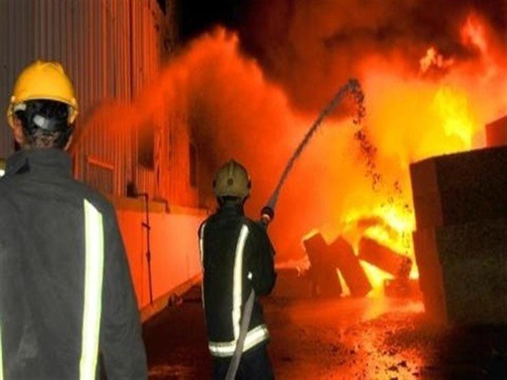 حريق هائل بمصنع تدوير قمامة بالقاهرة.. و14 سيارة إطفاء وخزان لإخماد النيران