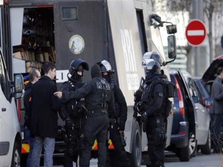 فرنسا تحقق مع ثمانية أشخاص بتهمة الإرهاب