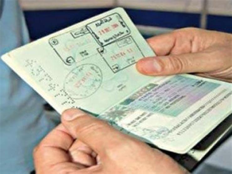 """اجتماع طارئ لـ""""شركات السياحة"""" بعد تعليق السعودية لتأشيرات العمرة"""