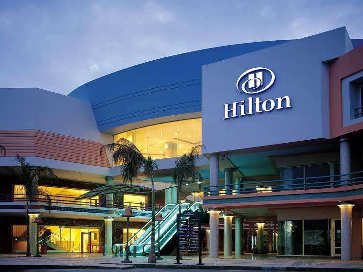 تاور للتطوير السياحي توقع عقدا مع هيلتون لإدارة فندق ببورسعيد