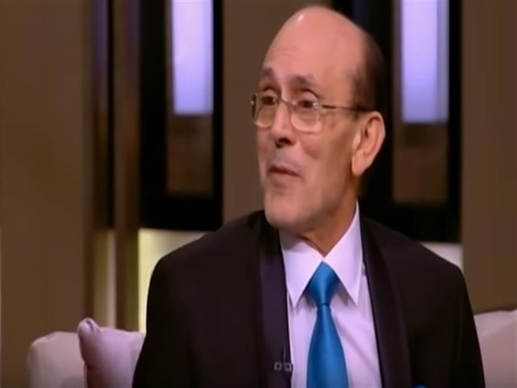لحظة بكاء الفنان محمد صبحي على الهواء بعد تذكر زوجته -فيديو