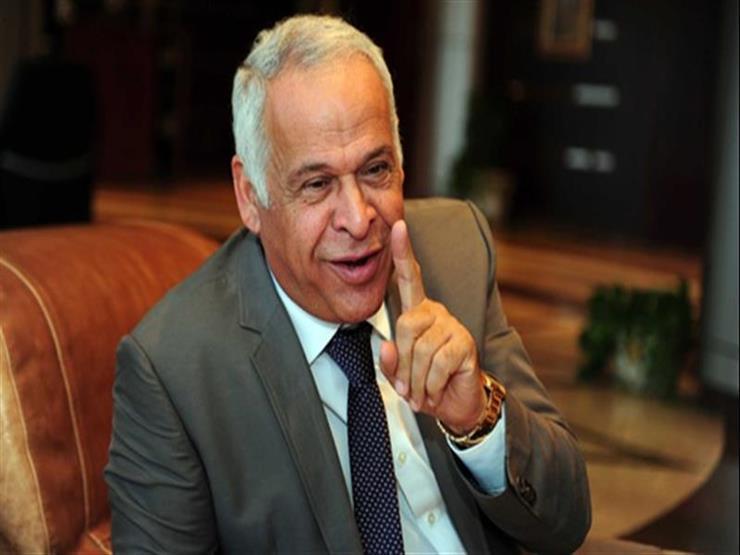 فرج عامر يشيد باتجاه الحكومة لإنشاء مصانع رياضية والتصدير لأفريقيا